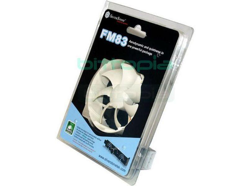 SilverStone FM83 90 en marco de 80 Reg. - Diseño con formas más aerodinámicas que mejorar la circulación del aire. Completamente de color blanco, tanto el marco como las palas. Integra un regulador en color negro con posibilidad de apagado y encendido.