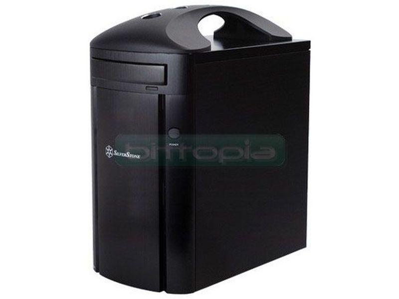 Silverstone SG04B-H Negro (Micro-ATX) - Caja en formato mini torre de color negro con asa para transporte, compatible con placas Micro-ATX. Mejora en varios aspectos, con algo más de de espacio para las ranuras de expansión, también se ha diseñado el lugar de la fuente de alimentación para hacerla reversible.