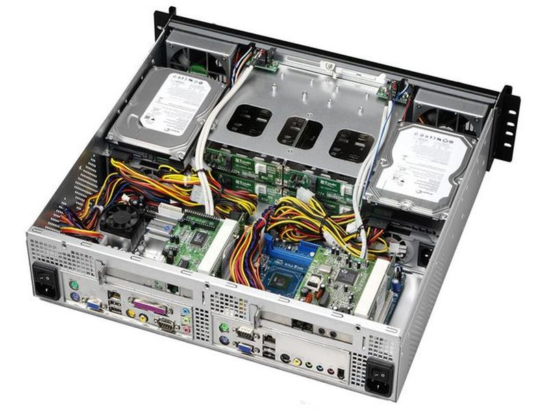 Travla T-2240 0W 4 HD y 2 placas. Rack 2U Mini-ITX