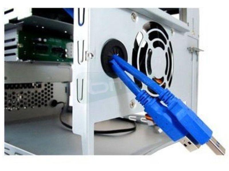 Xilence Torino - Caja Cubo con acabado en color negro. Conexiones 2x USB 3.0 y Audio HD. 1 Bahía externa 5.25. 2 Bahías externas 2.5 HOT-SWAP. 2 Bahías internas 3.5. Mini-ITX.