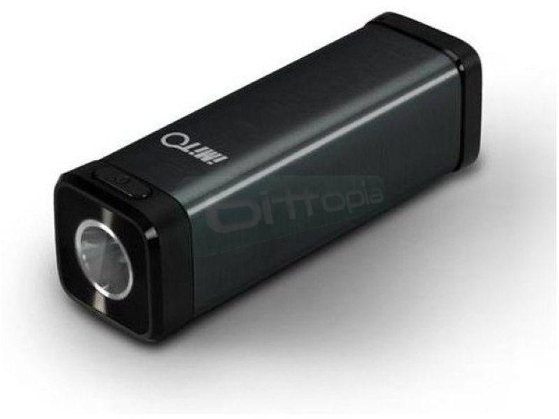 Gadget Box. Bateria portatil 4400mAh + lector MicroSD + linterna - Batería portátil de 4400mAh. Conexión Micro-USB. Incluye lector de tarjetas Micro-SD y linterna.