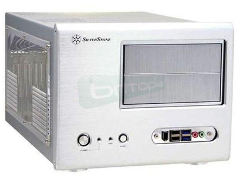 Silverstone SG01S-F con USB 3.0 Plata (Micro-ATX) - Caja SFF Plata con frontal de aluminio. Conexiones: 2x USB 3.0, 2x USB 2.0 1x IEEE1394 y AudioHD. 2 bahías externas 5.25. 2 bahías internas 3.5. Micro ATX.